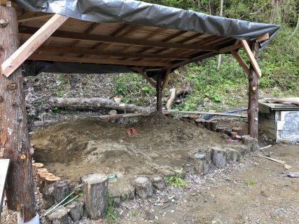 砂場にも屋根を付けました。